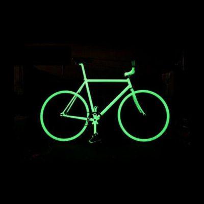 Bicicleta con pintura luminiscente