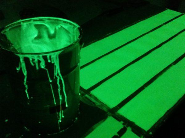 Pinturas luminiscentes acrílica base disolvente