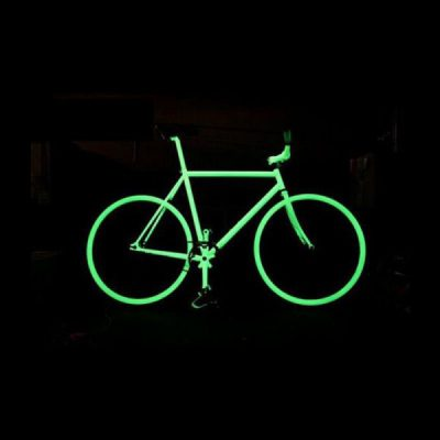 Bicicleta con pintura fotoluminiscente