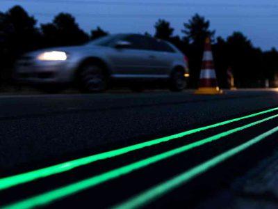 Pintura luminiscente para seguridad vial en carretera