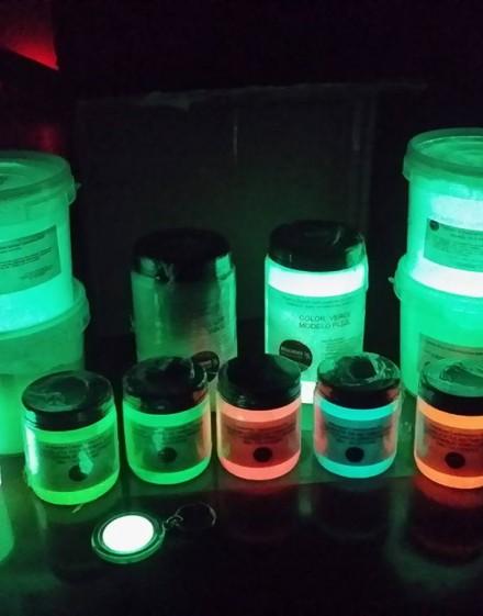 Variedad de plásticos líquidos termoendurecible fotoluminiscente y flourluminiscentes