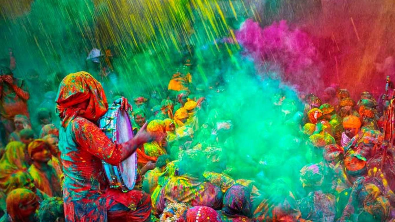 Festival de polvos de colores holi en Canarias