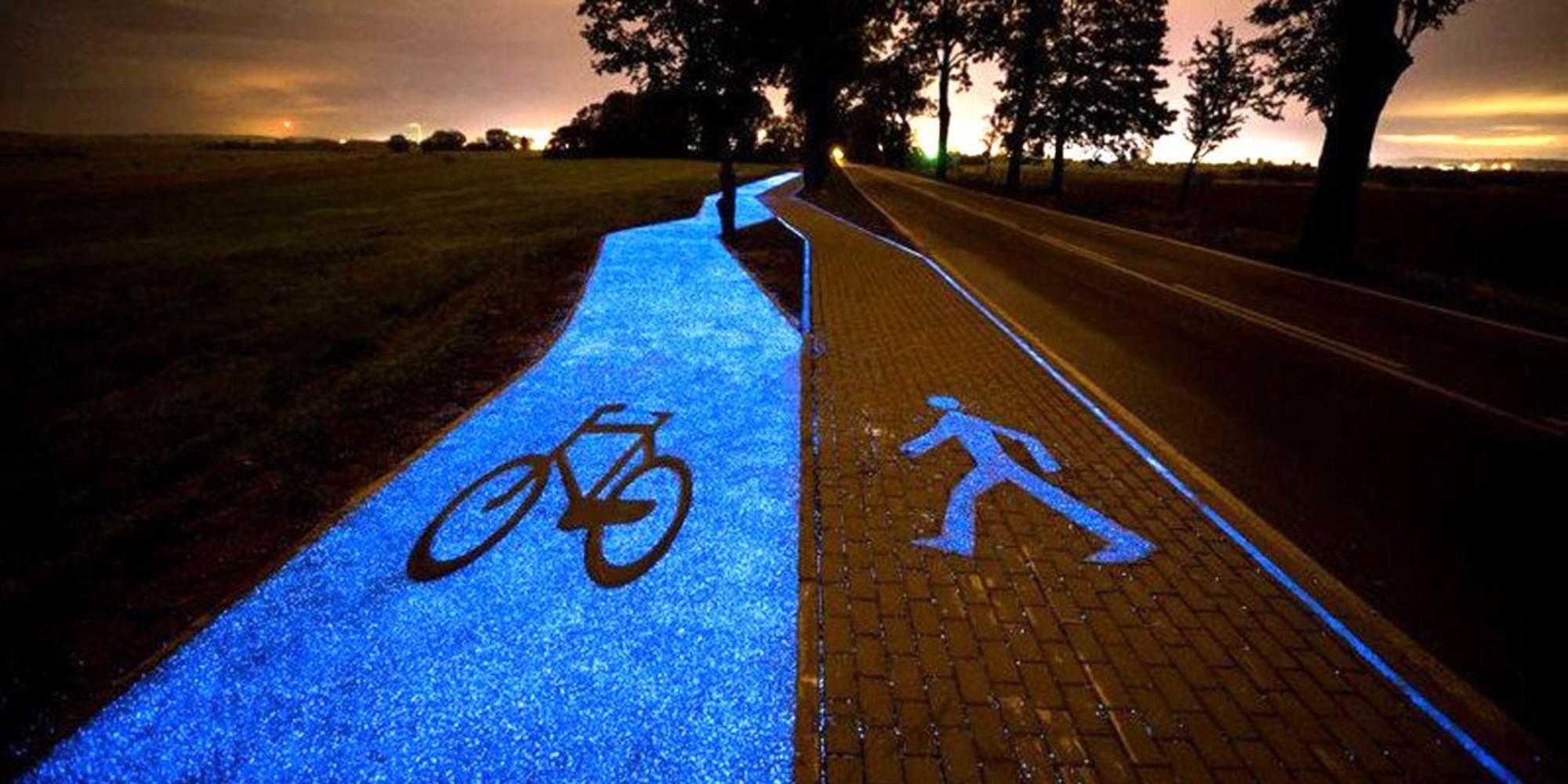 Camino fotoluminiscente para peatones y bicicletas