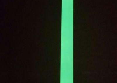 Lama en acero inoxidable fotoluminiscente para señalizar escaleras y paredes