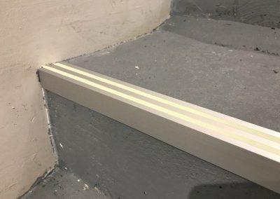 Perfiles de aluminio fotoluminiscente para escaleras 2 lineas luminiscentes