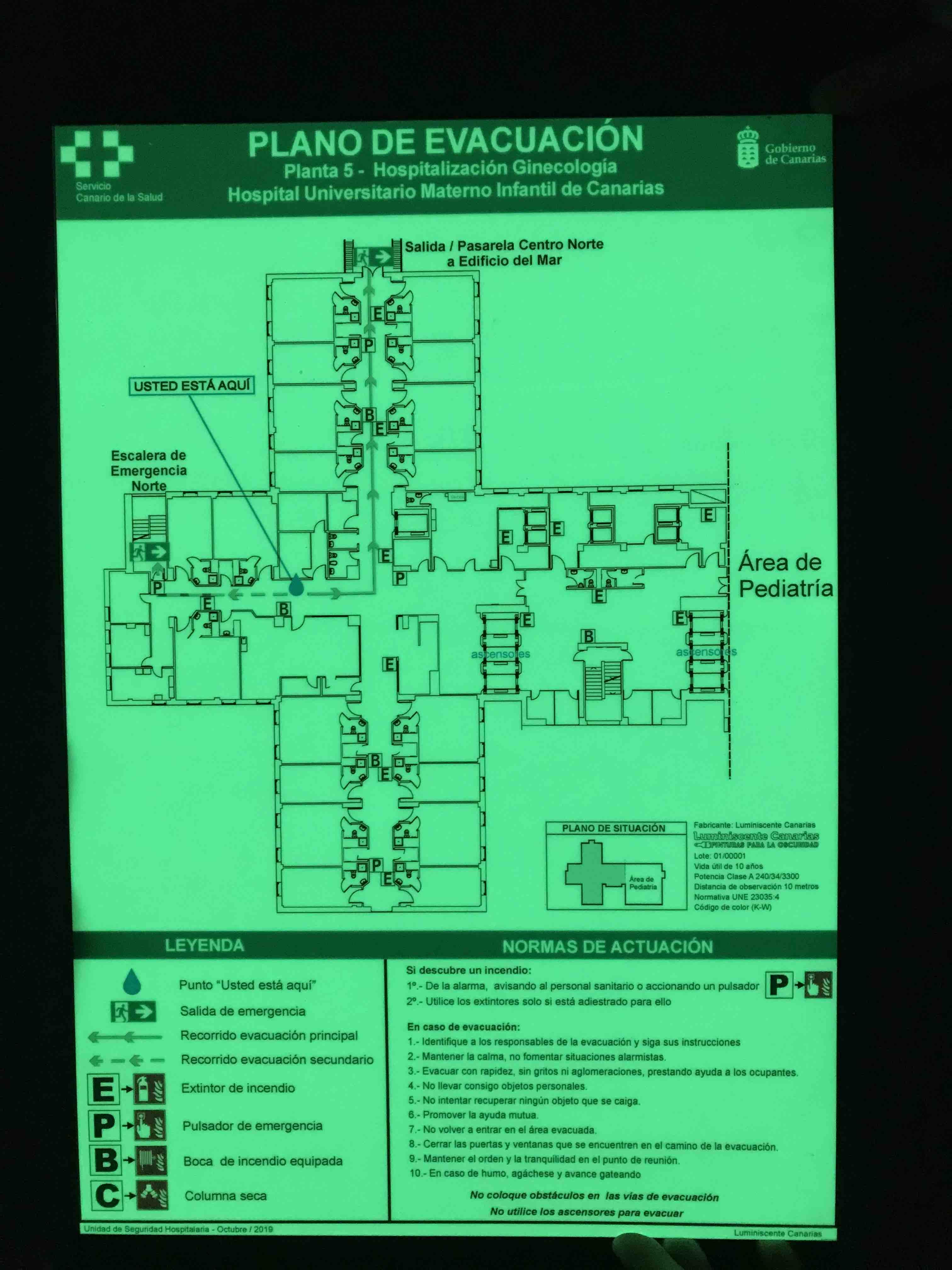 Fabricar planos de evacuación fotoluminiscente para edificios